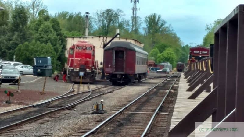 Engine 8218 and passenger car at the New Hope Station