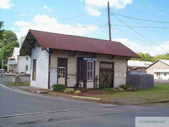 The Rushland Station on the New Hope - Ivyland Line circa 2007