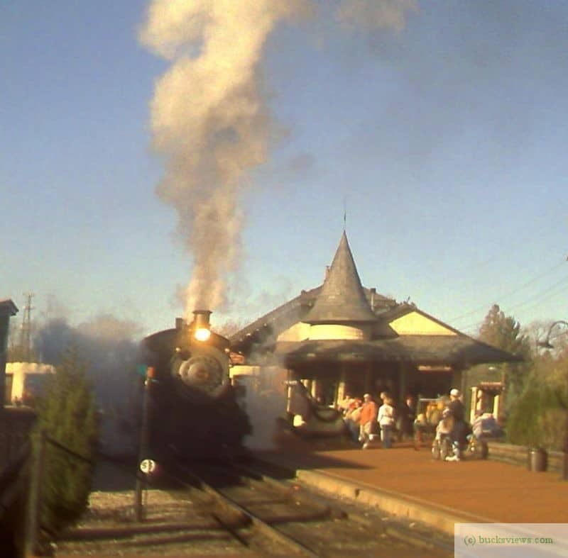 A Steam Engine and Train leaving New Hope Station