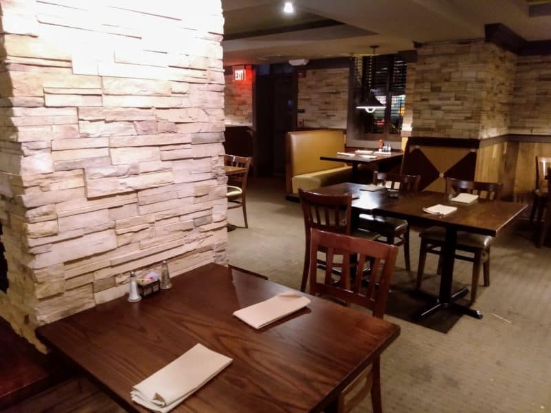 The Buttonwood Grill dining area